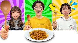 【検証】大中小のスプーンで激辛ラーメン!?ルーレットスプーンチャレンジやってみた!〜Big VS Small Spoon Food Challenge 〜【対決】